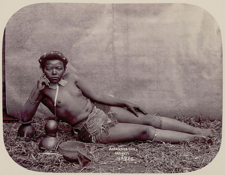 ETHNOGRAPHIC PHOTO OF AN AFRICAN WOMAN